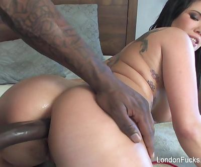 London Keyes gets..