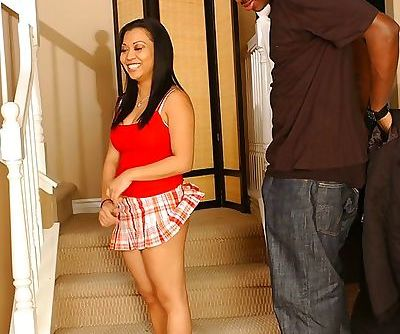 Asian MILF Jazmine Leih has some..