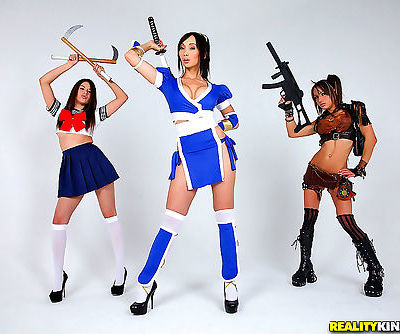 Hot chicks in cosplay outfits eat..