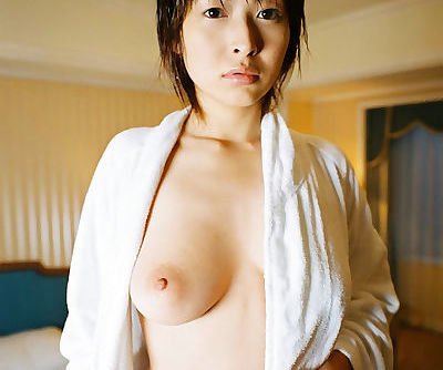 Naked asian lady Nana Natsume..