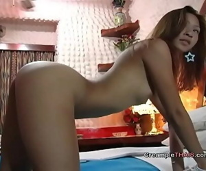 Cute 18yr old Thai creampie 10 min