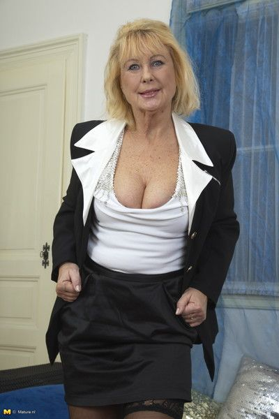 This naughty mature lady is getting very dirty