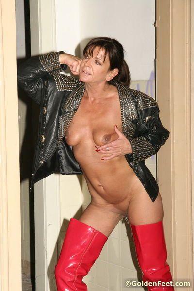 Sexy mature woman Lady Sarah flashing her pierced vagina outdoors - part 2