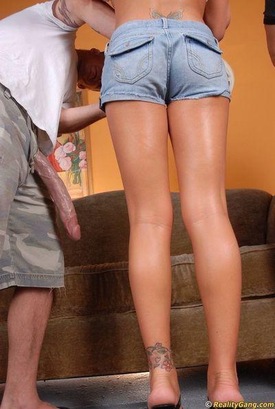 Lecherous blonde MILF Brooke Belle pleasing two giant meaty poles