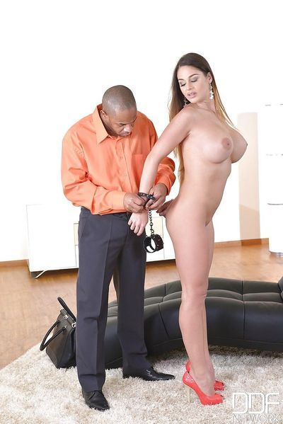 Fetish model Cathey Heaven submits to a huge black cocks wishes