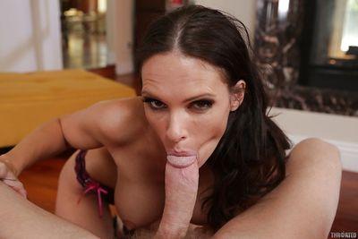 Deepthroat blowjob done by European milf brunette Jennifer Dark - part 2