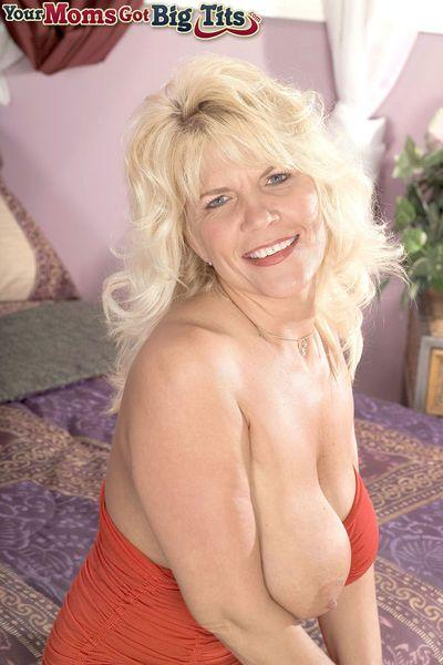 Blonde BBW mature woman Jerrika Micheals rides a dildo toy and enjoys it