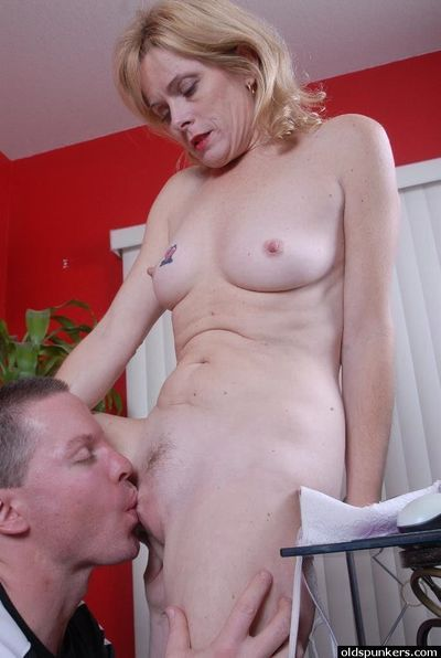 Mature MILF Pandora deepthroats younger cock while giving blowjob