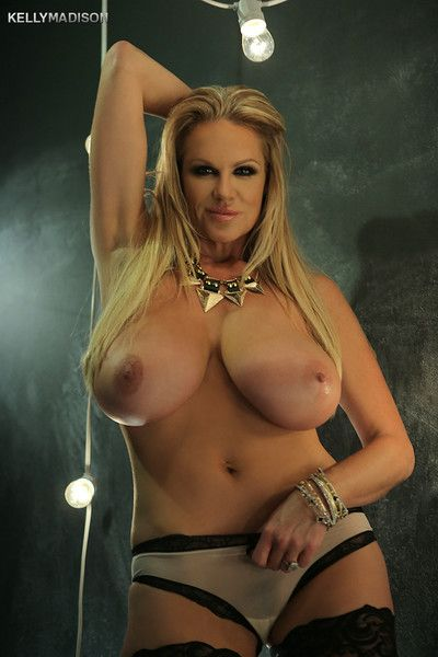 Kelly madison in all her curvy milf glory