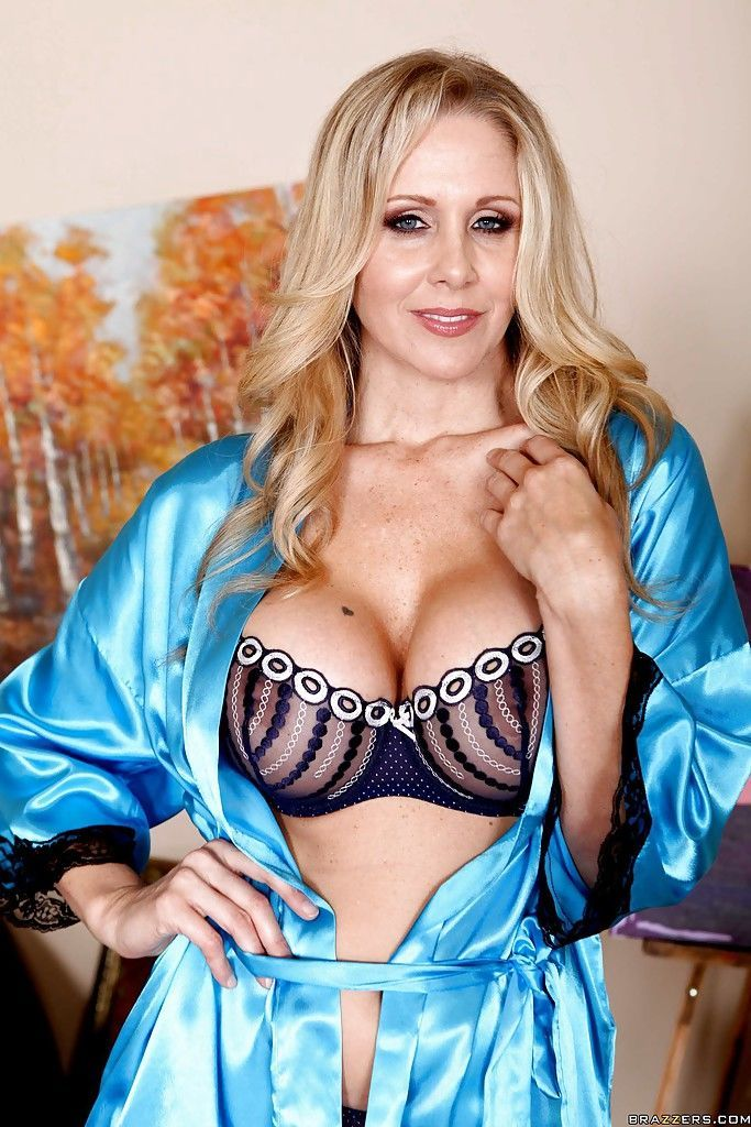 Stunning mom Julia Ann denudes great tits from exquisite underwear