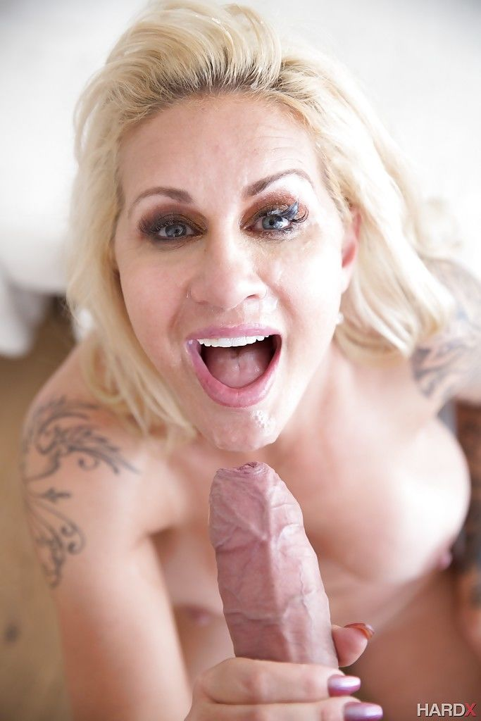 Tatted MILF pornstar Ryan Conner offering big ass to big cock for anal fucking - part 2