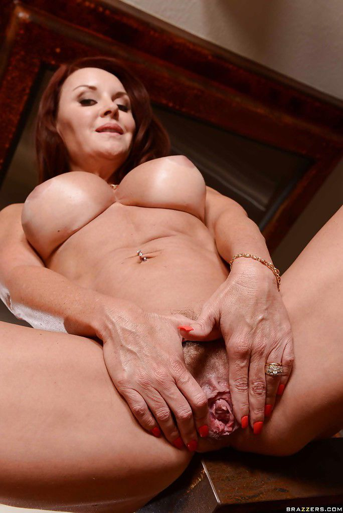 Close up posing from a mature mom with big tits Janet Mason