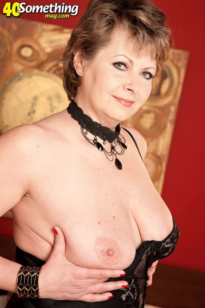 Mature Euro woman Donna Marie undresses after work for masturbation relief