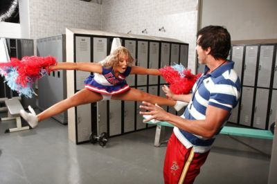 Flexy cheerleader Ally Kay gets screwed hardcore and facialized