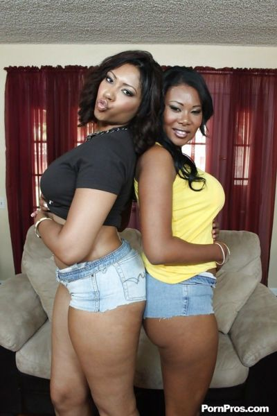 Ebony babes Jessica Dawn & Carmen Michae exposing their butts and boobs