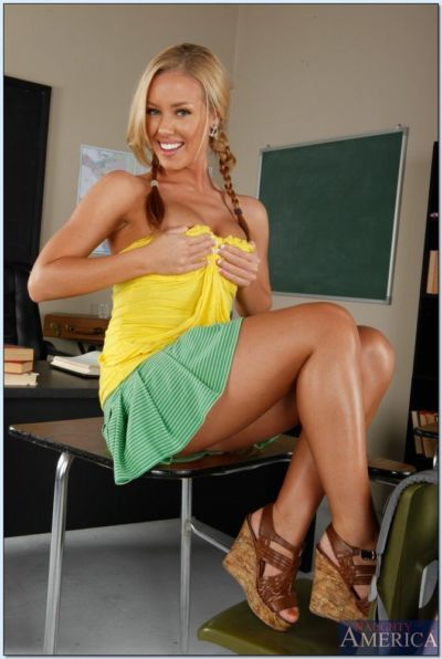 Lovesome college girl with cute pigtails Nicole Aniston strips in class