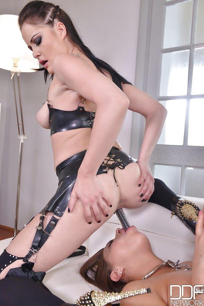 эротика секс фото госпожа раб страпон вирусов