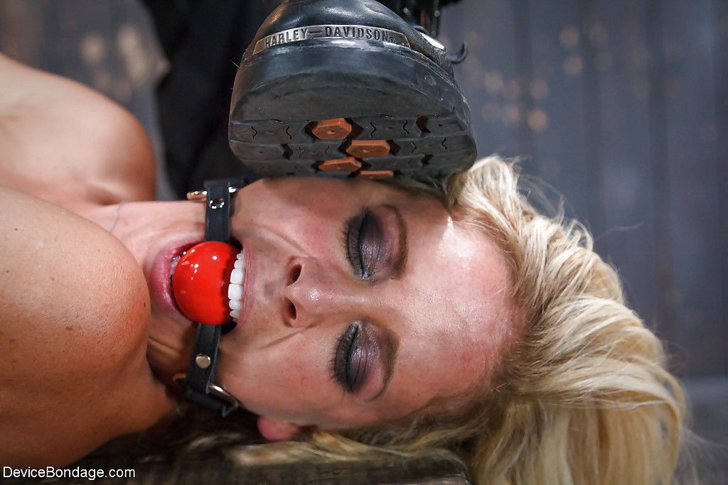 BDSM models Juliette March and Cherie Deville eat each others pussy