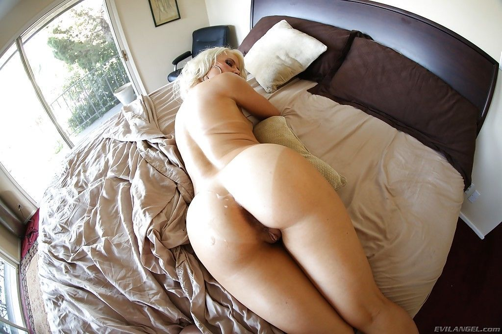 Stunning blonde with hot ample ass Anikka Albrite gets fucked hardcore