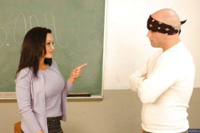 Mature teacher Lisa Ann has her face covered in sweet cumshot