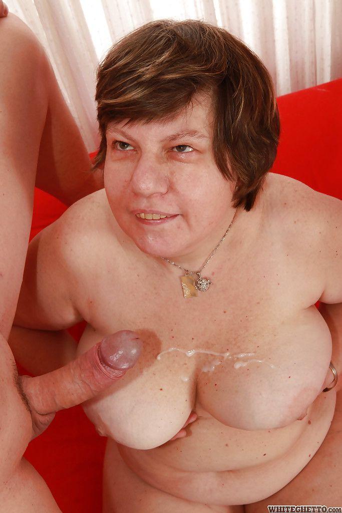 Pflegerin Taetowierte Braungebrannt Massage