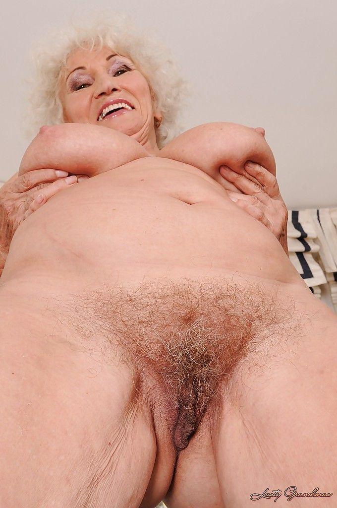 фото возбуждённой писи пожилой бабки