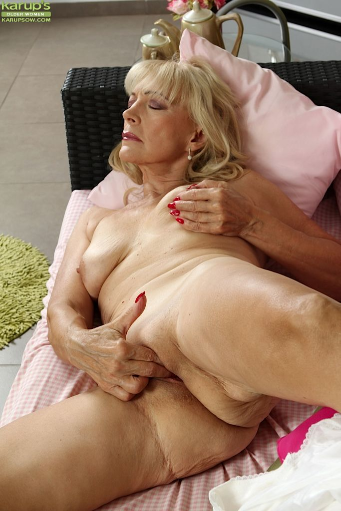 Порно фото лесли бабушки