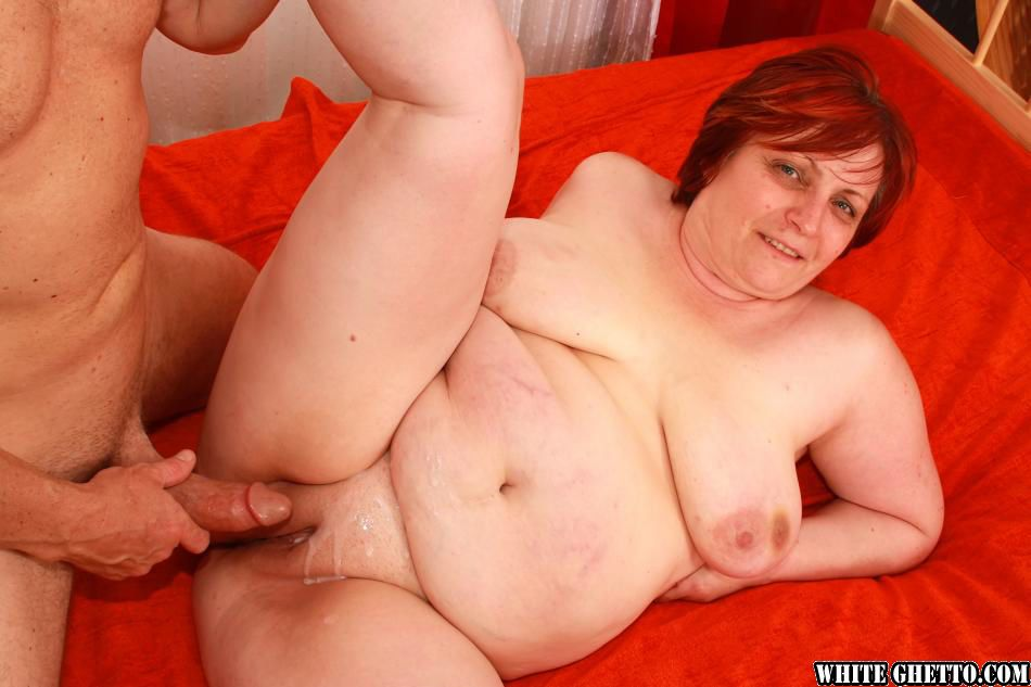 Fatty granny with shaved twat gives a blowjob and gets banged hardcore