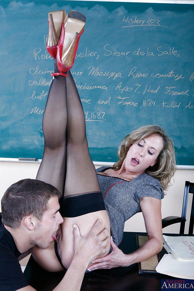 Good-looking busty teacher Brandi Love bangs her favorite student