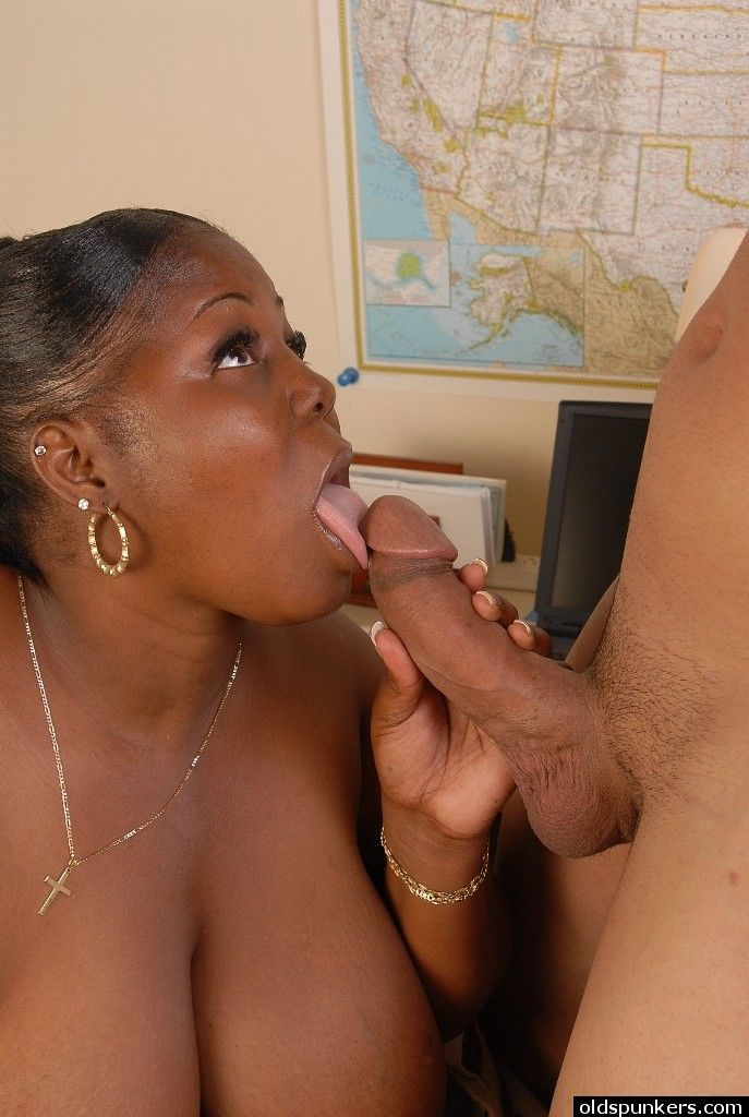 SSBBBW Subrina having her black cunt ate out before cumshot on face - part 2