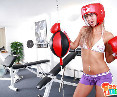 Sexy boxer babe plays with her..