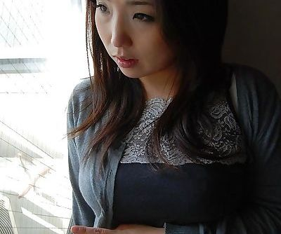 Asian MILF Kaho..