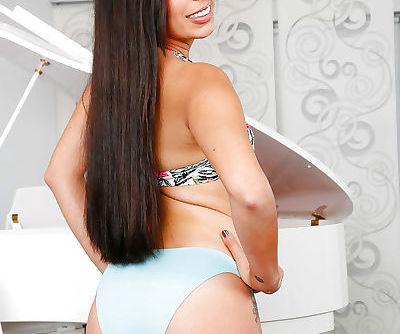 Latina Sofia Rivera demonstrates..