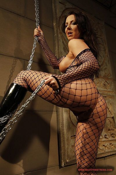 Maria Bellucci in pantyhose into bondage pleasures with Mandy Bright