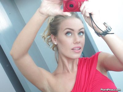 Big tits girlfriend Nicole Aniston does some self shots naked