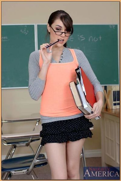 Shameless coed in glasses Sasha Grey exposing her tight body