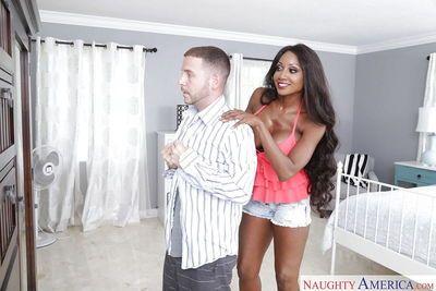 Black cougar Diamond Jackson seducing her son\\\