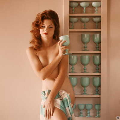 MILF Kathy Douglas exposes her lovely natural curves during vintage photoshoot
