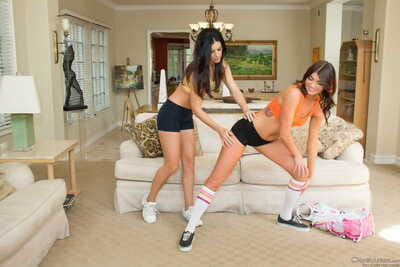 Athletic girls Cassandra Nix & India Summer share a big dick in a 3some