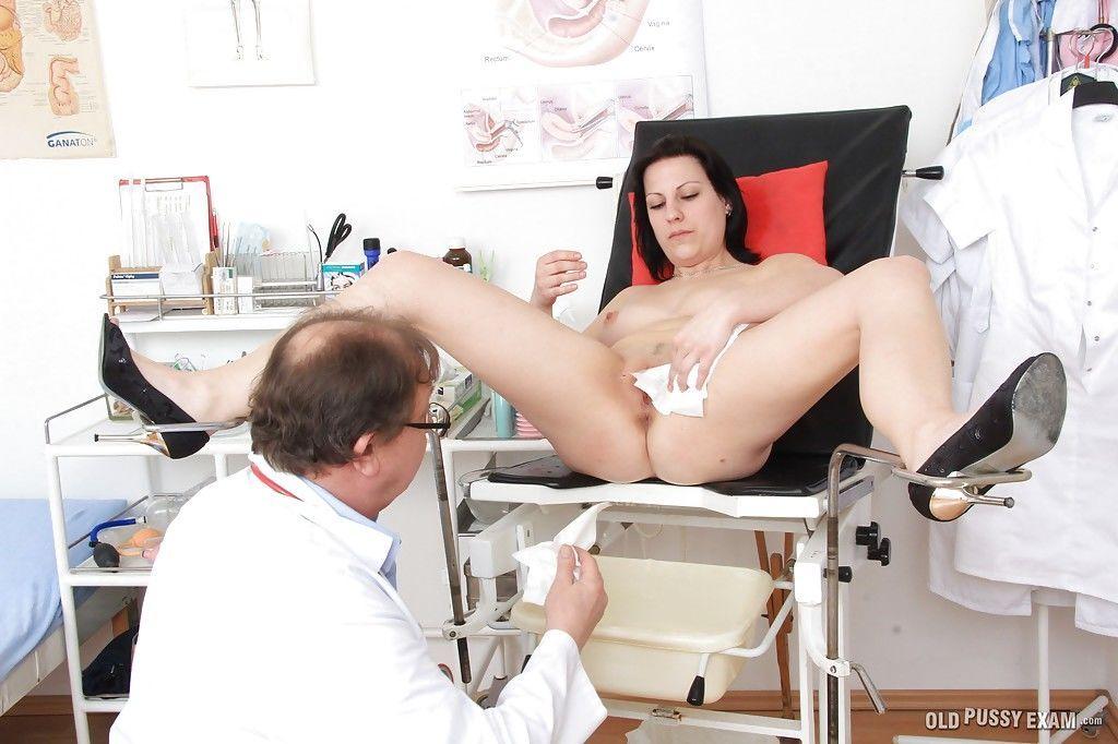 hhh-na-prieme-u-ginekologa-video-russkoe-porno-rizhey-v-prihozhey