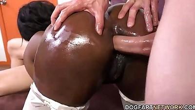 Skyler Nicole Gets Her Ass..