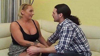 MommyVid.comHot milf and her..