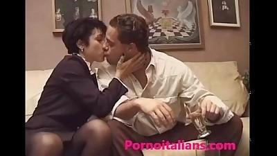 MILF ITALIANmamma italiana da..