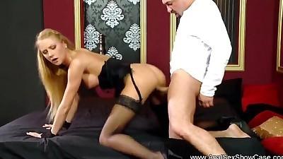 Blonde MILF Fuck Her ButtholeHD
