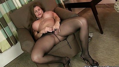 American milfs Sheila and Lacy..