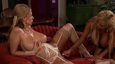 Big natural tits blonde lesbian..