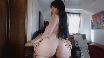 SoyaSex on webcam