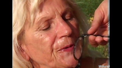 Blonde grandma fucksHD