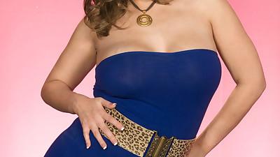 Fat solo model displays her big..