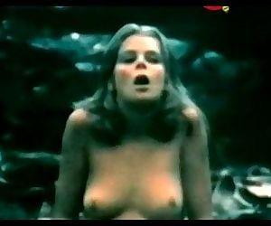 Kristine DeBell in Alice in..